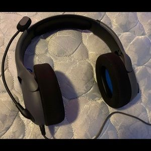 Gaming headset with mic (NEW) (DURABLE)